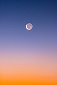 Earthshine from waning crescent Moon at dawn