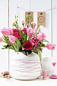 Tulpenstrauß in pink und rot