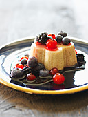 Hirse-Griess-Pudding mit Beeren