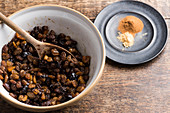 Preserved raisins and sultanas