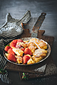 Semolina hash with strawberries