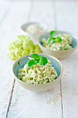 Vegan romanesco risotto with tender oats (low carb)