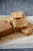 Sesame bread with raisins