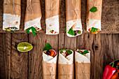Tortilla-Wraps mit Gemüsefüllung zum Mitnehmen