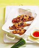 Süßkartoffeln mit Thunfisch-Bohnen-Füllung