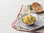 Spaghetti with courgette pesto and feta cheese
