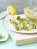 Zucchini rolls with pea paste