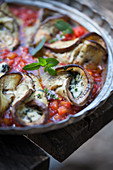 Aubergine rolls in tomato sauce