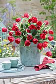 Strauß aus roten Tulpen