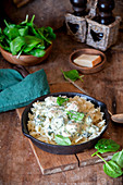 Farfalle with creamy chicken and spinach sauce