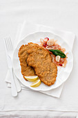 Viennese escalope with caramelised onions