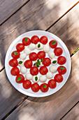Kirschtomaten mit Minimozzarella