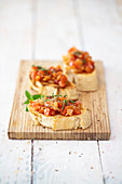 Bruschetta with tomatoes, cinnamon and mint