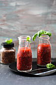 Strawberry smoothies with flaxseed