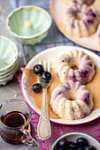 Mini cheesecakes with white beans and blueberries
