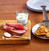 Cold roast beef with fried potatoes and tartare sauce