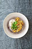 Gerösteter Blumenkohl mit Dill-Pesto und Ricotta-Sumach-Creme (Levante-Küche)