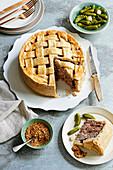 Wild-Pie mit Cranberry und Kastanien