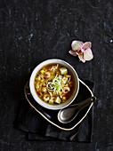 Scharf-saure Garnelen-Zuckermais-Suppe