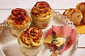 Möhrenschnecken, im Glas gebacken, mit Butter