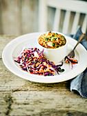 Masala Omelett-Muffin mit Zucchini und Erbsen im Förmchen