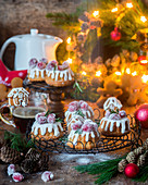 Gingerbread mini cakes
