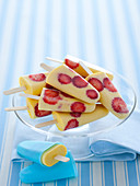 Lemon and strawberry ice cream sticks