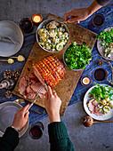 Senf-Schinkenbraten mit Kartoffelsalat