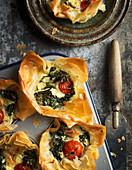 Filoteig-Pastetchen mit Gemüse und Ziegenkäse