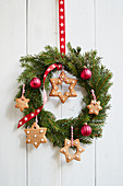 Christmas wreath with gingerbread stars