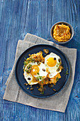 Fried eggs with mashed sweet potatoes