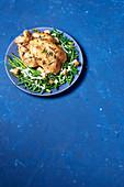 Brathähnchen mit Cäsarsalat-Gemüse