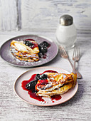 Rhineland crepes with red wine plums