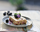 Vegan blackberry and semolina hazelnut cake with chocolate chips