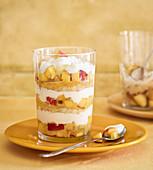 Pfirsich-Trifle mit Aprikosensenf