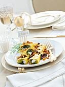 Lasagne-Rollen mit Endivien und Sardellen gefüllt zu Weihnachten