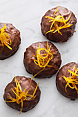 Mini gingerbread cakes with candied orange peel