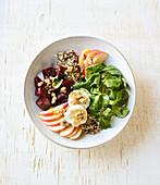 Salat-Bowl mit Quinoa und Roter Bete