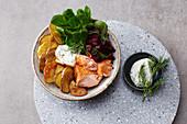 Kartoffel-Lachs-Bowl