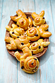 Yeast biscuits (rabbit heads) for Easter