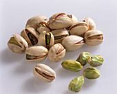 Pistachios from the USA, with and without shells
