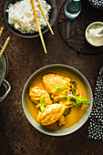 Yellow chicken curry with mint
