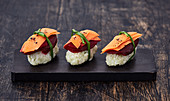 Matcha nigiri with beetroot and carrot