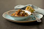 Champignon-Gulasch mit Pellkartoffel