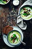Green vegetable soup with yoghurt