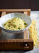 Spaghetti mit Limette, Pfefferminze und Ingwer