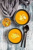 Pumpkin soup with lupine meal (minced meat substitute) and leeks