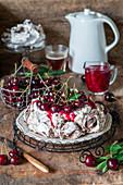 Schokoladen-Kirsch-Pavlova