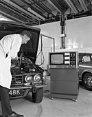 Laycock Auto Analyser 600 being used on a Rover V8, 1972