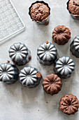 Haselnuss-Kakao-Bonbons in Canneleförmchen